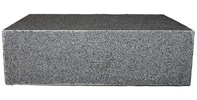 py-black-granit-blockstufen