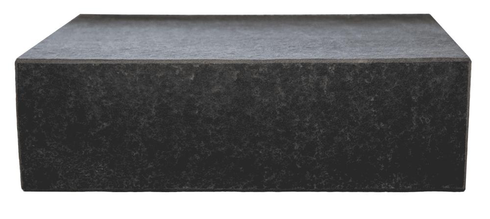 Blockstufe Naturstein Dark Black Basalt